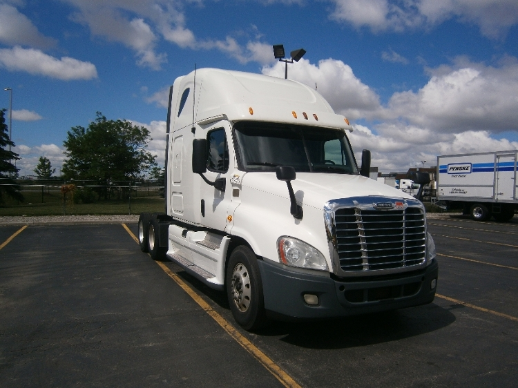 Sleeper Tractor-Heavy Duty Tractors-Freightliner-2013-Cascadia 12564ST-MISSISSAUGA-ON-819,544 km-$55,750