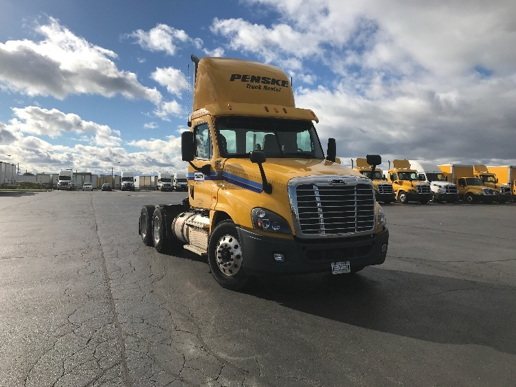 Day Cab Tractor-Heavy Duty Tractors-Freightliner-2013-Cascadia 12564ST-CONCORD-ON-315,934 km-$61,500