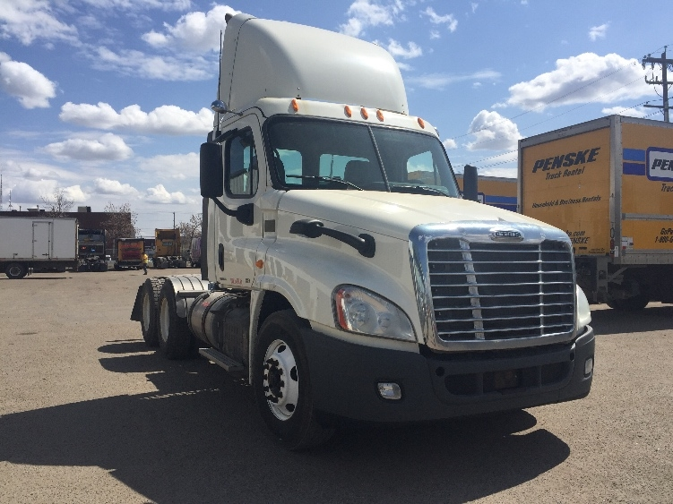 Day Cab Tractor-Heavy Duty Tractors-Freightliner-2012-Cascadia 12564ST-EDMONTON-AB-718,896 km-$37,000