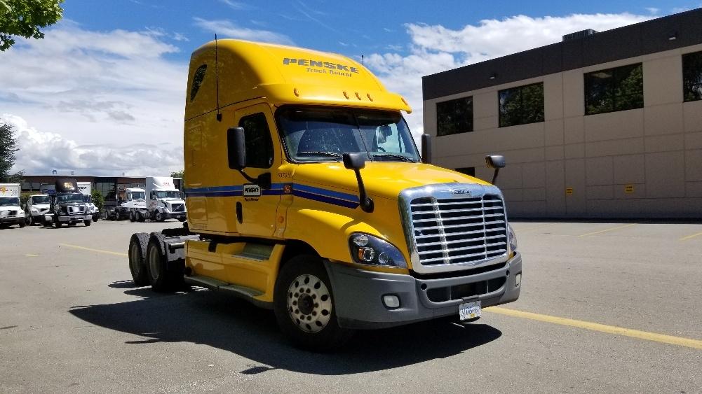 Sleeper Tractor-Heavy Duty Tractors-Freightliner-2013-Cascadia 12564ST-DELTA-BC-914,960 km-$51,000