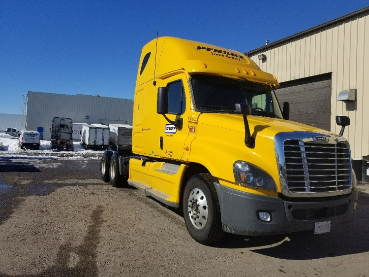 Sleeper Tractor-Heavy Duty Tractors-Freightliner-2013-Cascadia 12564ST-CALGARY-AB-947,716 km-$47,250