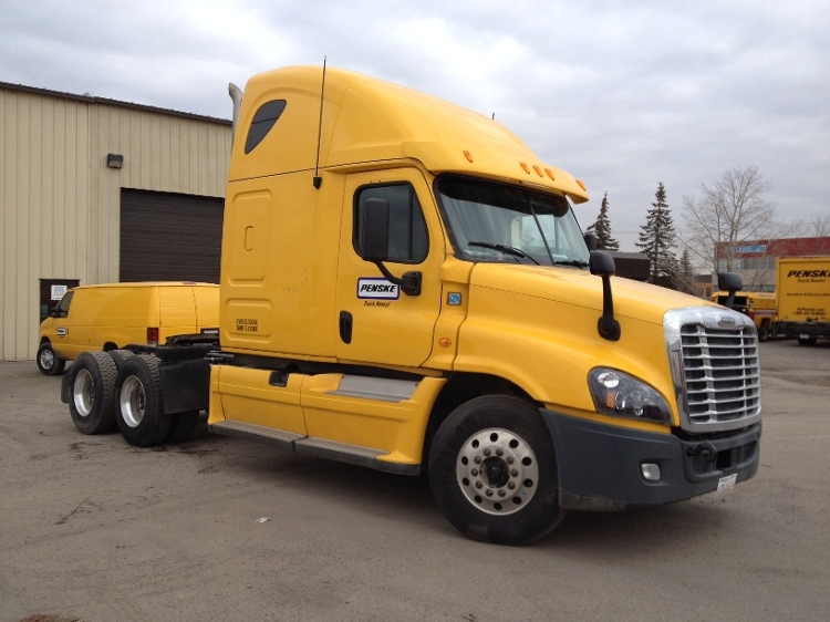Sleeper Tractor-Heavy Duty Tractors-Freightliner-2013-Cascadia 12564ST-CALGARY-AB-617,400 km-$63,000