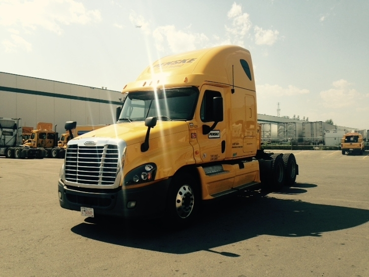 Sleeper Tractor-Heavy Duty Tractors-Freightliner-2013-Cascadia 12564ST-CALGARY-AB-1,078,643 km-$39,750
