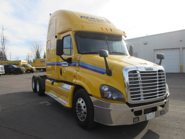 Sleeper Tractor-Heavy Duty Tractors-Freightliner-2013-Cascadia 12564ST-MONCTON-NB-1,053,969 km-$53,250