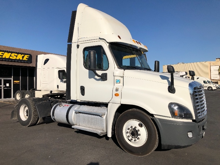 Day Cab Tractor-Heavy Duty Tractors-Freightliner-2013-Cascadia 12542ST-LAS VEGAS-NV-517,057 miles-$32,250