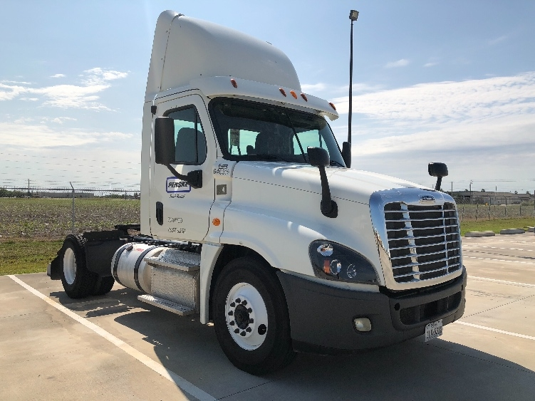 Day Cab Tractor-Heavy Duty Tractors-Freightliner-2013-Cascadia 12542ST-CORPUS CHRISTI-TX-172,405 miles-$49,250