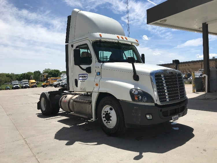 Day Cab Tractor-Heavy Duty Tractors-Freightliner-2013-Cascadia 12542ST-OMAHA-NE-361,925 miles-$33,250