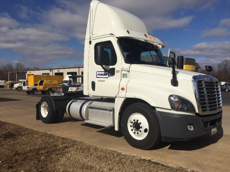 Day Cab Tractor-Heavy Duty Tractors-Freightliner-2013-Cascadia 12542ST-MEMPHIS-TN-335,561 miles-$47,500