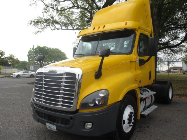 Day Cab Tractor-Heavy Duty Tractors-Freightliner-2013-Cascadia 12542ST-PENSACOLA-FL-218,346 miles-$49,500