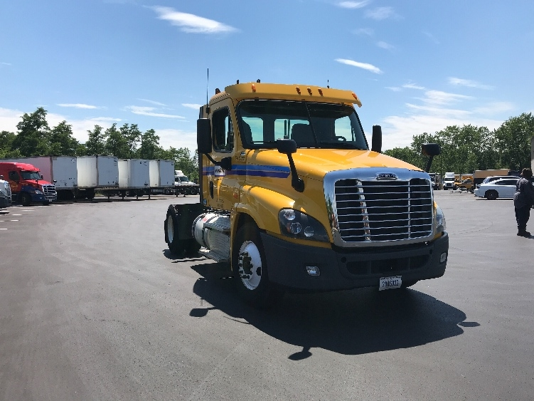 Day Cab Tractor-Heavy Duty Tractors-Freightliner-2013-Cascadia 12542ST-WEST HAVEN-CT-286,479 miles-$45,250