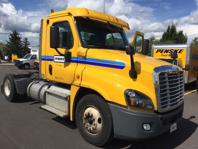 Day Cab Tractor-Heavy Duty Tractors-Freightliner-2013-Cascadia 12542ST-WEBSTER-NY-242,147 miles-$50,750