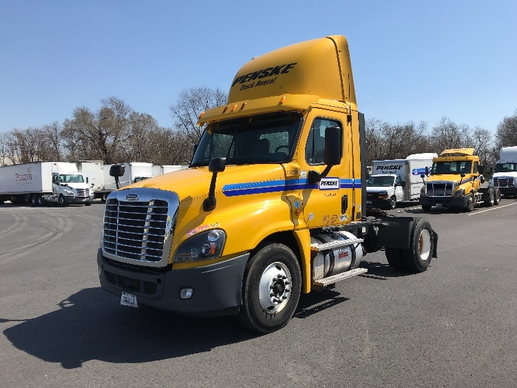 Day Cab Tractor-Heavy Duty Tractors-Freightliner-2013-Cascadia 12542ST-BENSALEM-PA-315,384 miles-$37,250