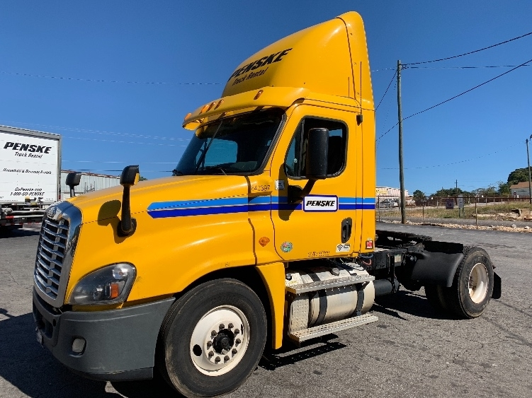 Day Cab Tractor-Heavy Duty Tractors-Freightliner-2013-Cascadia 12542ST-FOREST PARK-GA-471,192 miles-$29,750