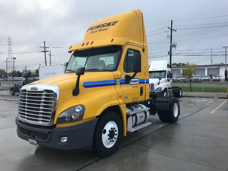Day Cab Tractor-Heavy Duty Tractors-Freightliner-2013-Cascadia 12542ST-HAMMOND-LA-280,600 miles-$42,500