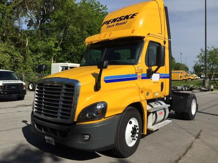 Day Cab Tractor-Heavy Duty Tractors-Freightliner-2013-Cascadia 12542ST-KNOXVILLE-TN-499,755 miles-$29,750