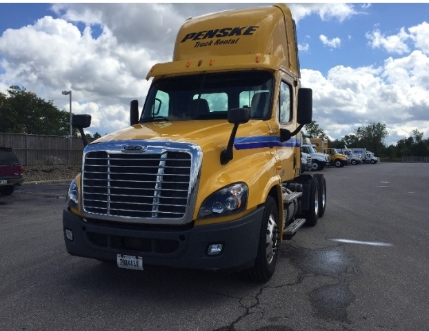 Day Cab Tractor-Heavy Duty Tractors-Freightliner-2013-Cascadia 12564ST-KENT-WA-414,703 miles-$37,750