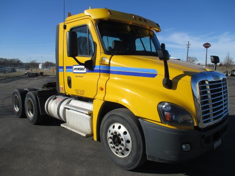 Day Cab Tractor-Heavy Duty Tractors-Freightliner-2013-Cascadia 12564ST-EARTH CITY-MO-391,748 miles-$41,000