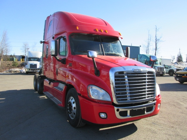 Sleeper Tractor-Heavy Duty Tractors-Freightliner-2012-Cascadia 12564ST-MONCTON-NB-807,201 km-$48,500