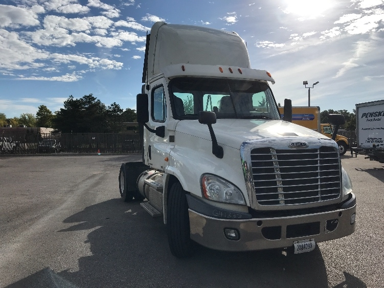 Day Cab Tractor-Heavy Duty Tractors-Freightliner-2013-Cascadia 12542ST-OAKWOOD VILLAGE-OH-368,332 miles-$37,250