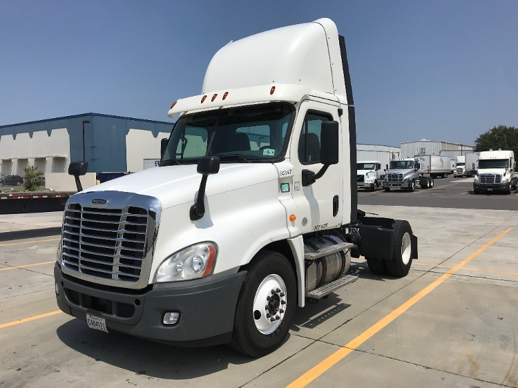 Day Cab Tractor-Heavy Duty Tractors-Freightliner-2013-Cascadia 12542ST-HAMMOND-LA-429,708 miles-$29,750