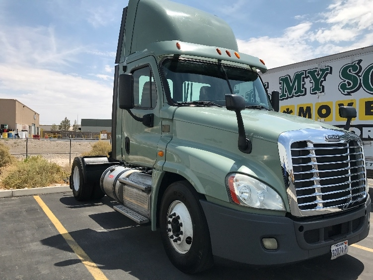 Day Cab Tractor-Heavy Duty Tractors-Freightliner-2013-Cascadia 12542ST-NORTH LAS VEGAS-NV-556,321 miles-$43,250