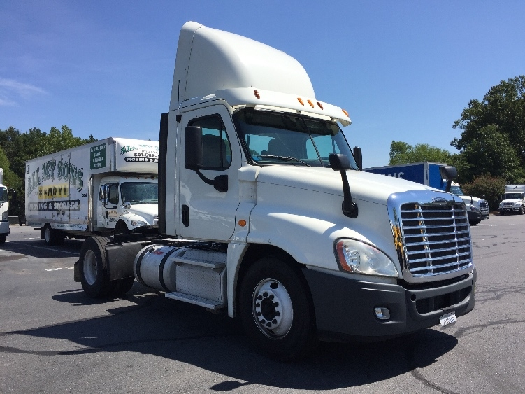 Day Cab Tractor-Heavy Duty Tractors-Freightliner-2013-Cascadia 12542ST-LITTLE ROCK-AR-473,214 miles-$39,250