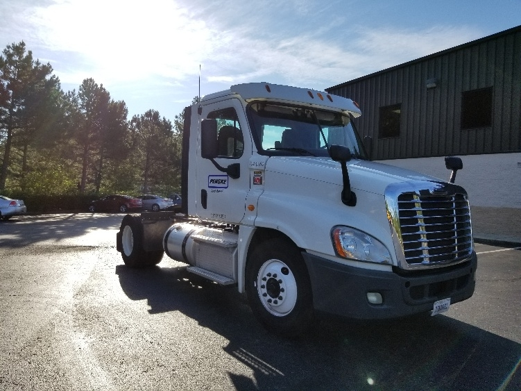 Day Cab Tractor-Heavy Duty Tractors-Freightliner-2013-Cascadia 12542ST-MEBANE-NC-317,900 miles-$39,500