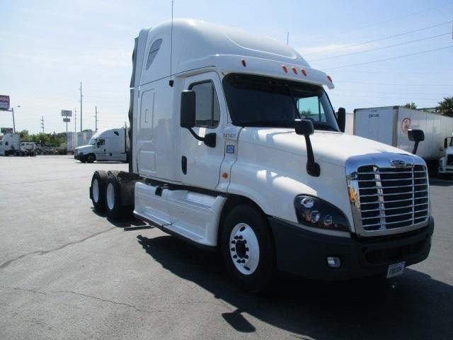 Sleeper Tractor-Heavy Duty Tractors-Freightliner-2013-Cascadia 12564ST-OMAHA-NE-634,042 miles-$39,000