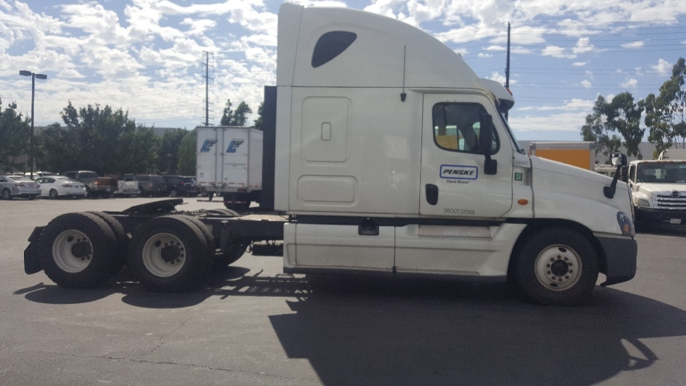 Sleeper Tractor-Heavy Duty Tractors-Freightliner-2013-Cascadia 12564ST-SPARKS-NV-447,700 miles-$50,000
