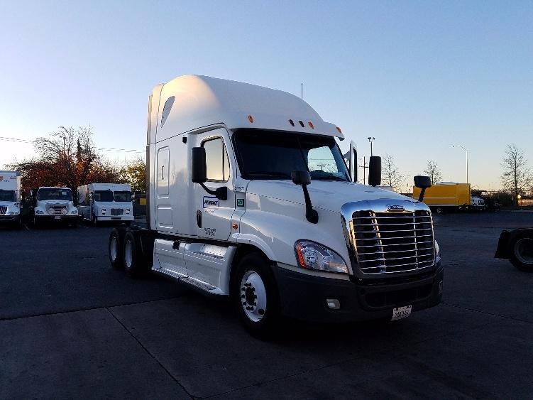 Sleeper Tractor-Heavy Duty Tractors-Freightliner-2013-Cascadia 12564ST-KENT-WA-558,518 miles-$44,500