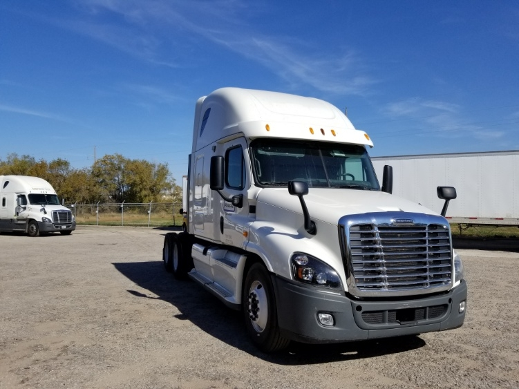 Sleeper Tractor-Heavy Duty Tractors-Freightliner-2013-Cascadia 12564ST-MADISON-WI-594,068 miles-$38,750