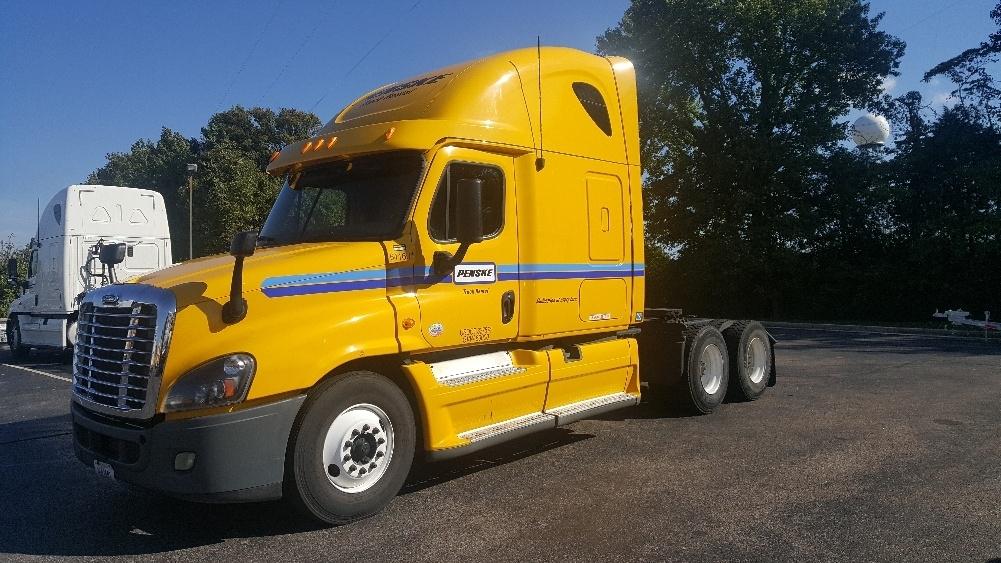 Sleeper Tractor-Heavy Duty Tractors-Freightliner-2013-Cascadia 12564ST-BELDEN-MS-665,562 miles-$46,000