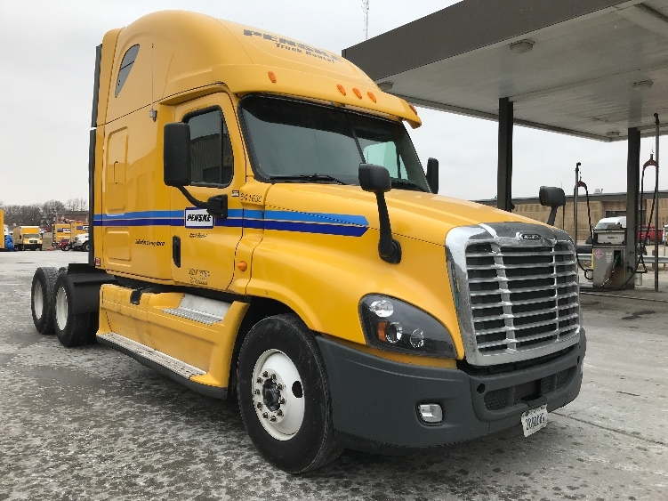 Sleeper Tractor-Heavy Duty Tractors-Freightliner-2013-Cascadia 12564ST-OMAHA-NE-521,633 miles-$40,750