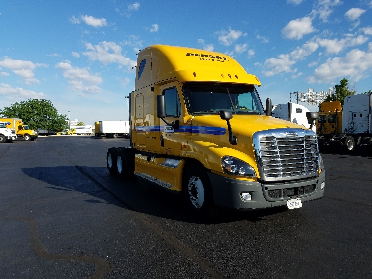Sleeper Tractor-Heavy Duty Tractors-Freightliner-2013-Cascadia 12564ST-INDIANAPOLIS-IN-594,656 miles-$41,500