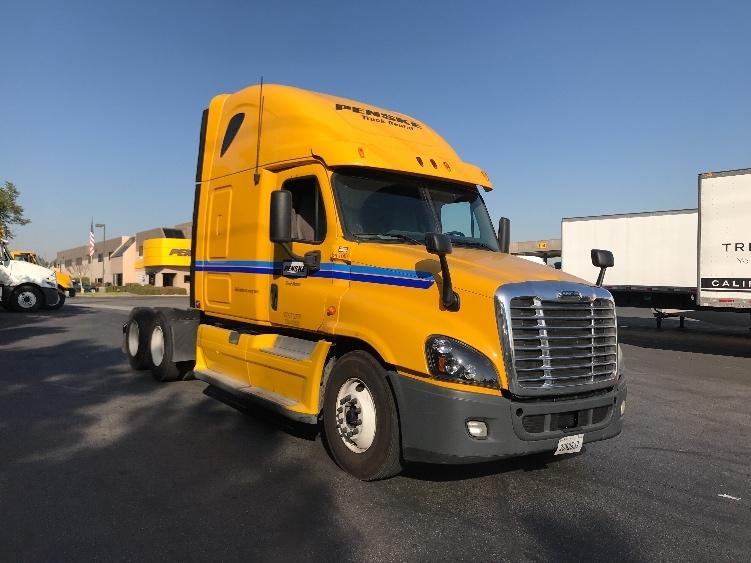 Sleeper Tractor-Heavy Duty Tractors-Freightliner-2013-Cascadia 12564ST-LITTLE ROCK-AR-551,153 miles-$45,000