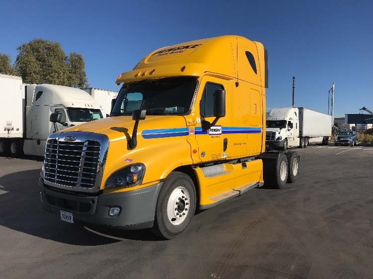 Sleeper Tractor-Heavy Duty Tractors-Freightliner-2013-Cascadia 12564ST-LAS VEGAS-NV-580,846 miles-$35,000