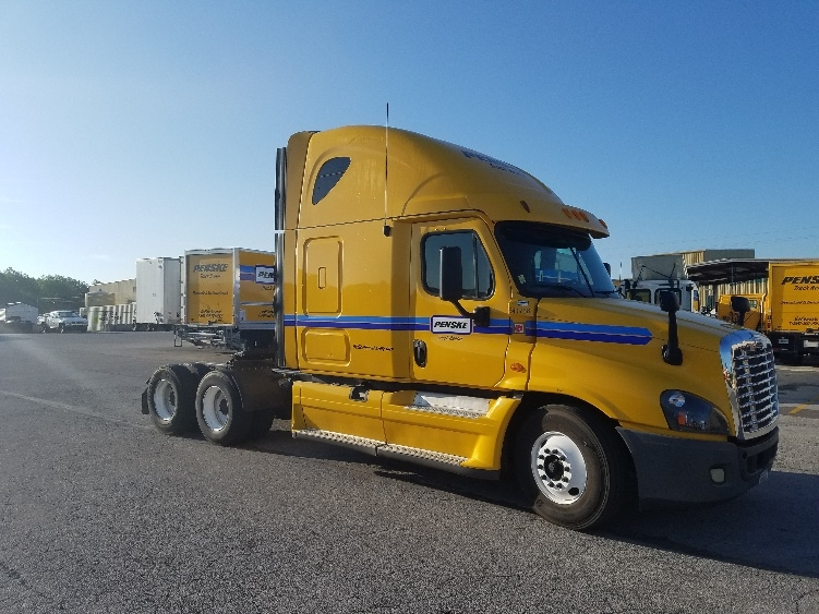 Sleeper Tractor-Heavy Duty Tractors-Freightliner-2013-Cascadia 12564ST-LOWELL-AR-646,592 miles-$42,250