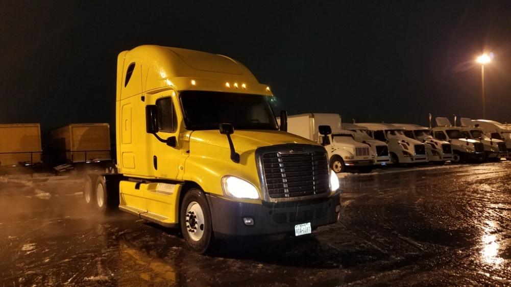 Sleeper Tractor-Heavy Duty Tractors-Freightliner-2013-Cascadia 12564ST-WARREN-MI-608,929 miles-$45,000