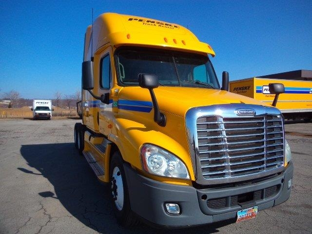 Sleeper Tractor-Heavy Duty Tractors-Freightliner-2013-Cascadia 12564ST-WEST VALLEY CITY-UT-675,396 miles-$39,750