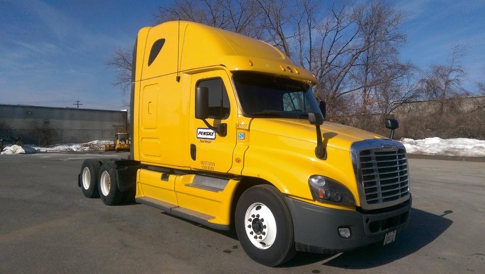 Sleeper Tractor-Heavy Duty Tractors-Freightliner-2013-Cascadia 12564ST-ELKHART-IN-492,667 miles-$43,500