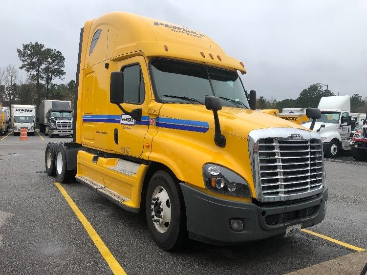 Sleeper Tractor-Heavy Duty Tractors-Freightliner-2013-Cascadia 12564ST-SUMMERVILLE-SC-644,778 miles-$42,000