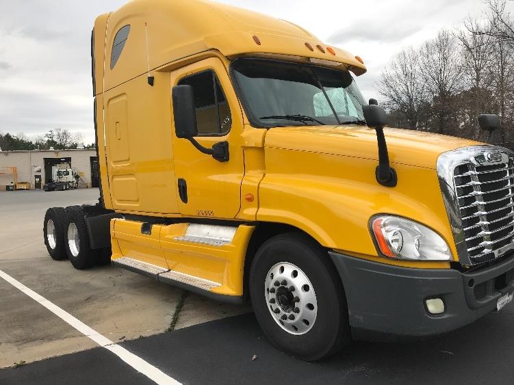 Sleeper Tractor-Heavy Duty Tractors-Freightliner-2013-Cascadia 12564ST-PELL CITY-AL-531,857 miles-$40,500