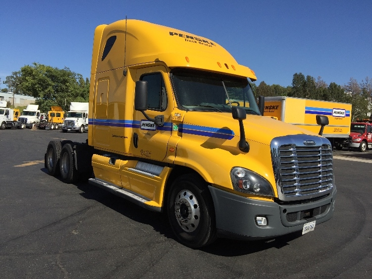 Sleeper Tractor-Heavy Duty Tractors-Freightliner-2013-Cascadia 12564ST-LAS VEGAS-NV-590,001 miles-$45,750