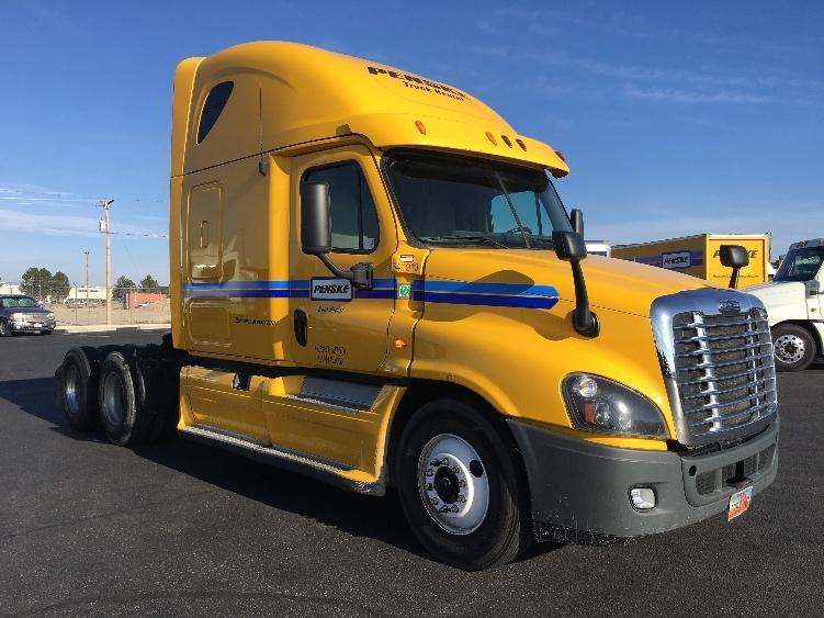Sleeper Tractor-Heavy Duty Tractors-Freightliner-2013-Cascadia 12564ST-PHOENIX-AZ-651,622 miles-$16,000