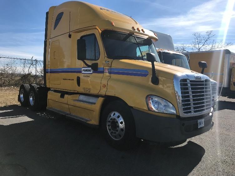 Sleeper Tractor-Heavy Duty Tractors-Freightliner-2013-Cascadia 12564ST-HARRISONBURG-VA-583,494 miles-$45,500