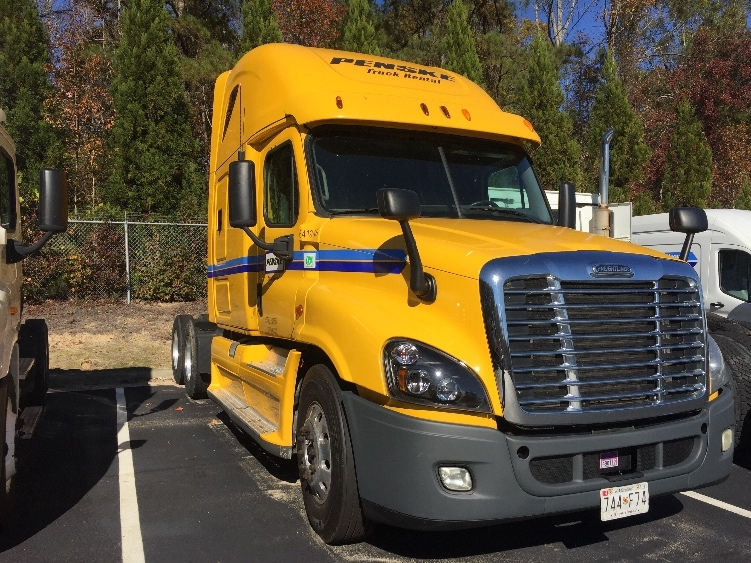 Sleeper Tractor-Heavy Duty Tractors-Freightliner-2013-Cascadia 12564ST-GREENSBORO-NC-500,602 miles-$45,500