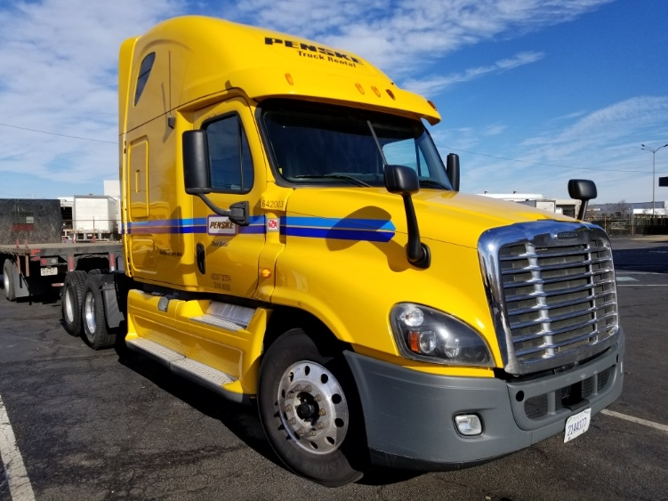 Sleeper Tractor-Heavy Duty Tractors-Freightliner-2013-Cascadia 12564ST-BALTIMORE-MD-538,960 miles-$47,250