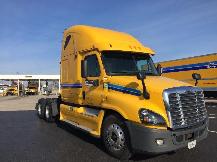 Sleeper Tractor-Heavy Duty Tractors-Freightliner-2013-Cascadia 12564ST-HARRISBURG-PA-415,608 miles-$46,000