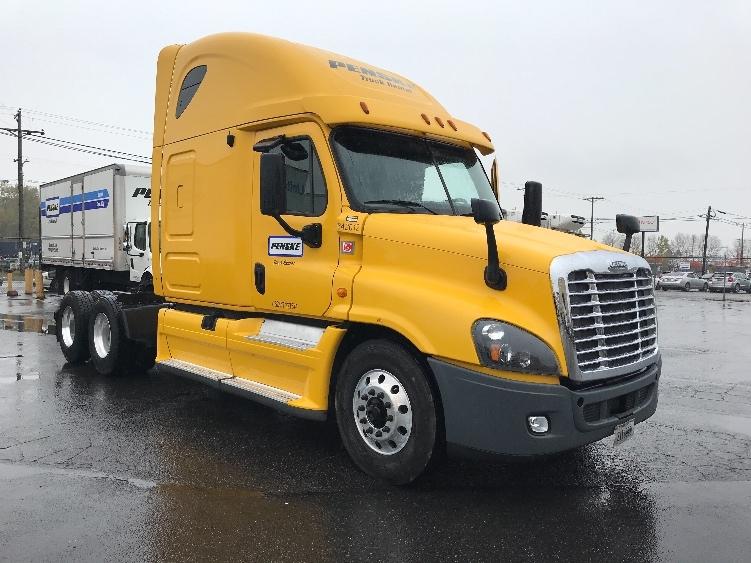 Sleeper Tractor-Heavy Duty Tractors-Freightliner-2013-Cascadia 12564ST-BOISE-ID-573,420 miles-$32,750