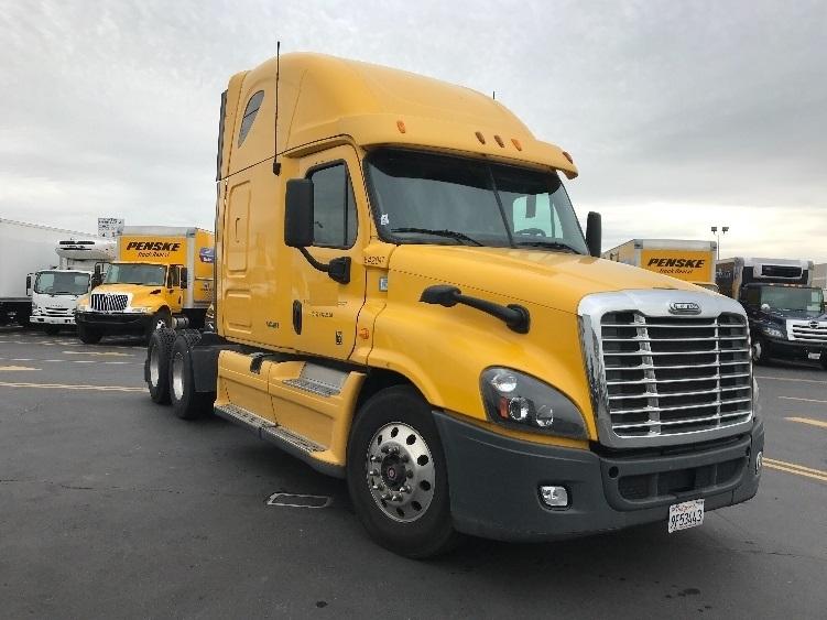 Sleeper Tractor-Heavy Duty Tractors-Freightliner-2013-Cascadia 12564ST-TORRANCE-CA-357,172 miles-$44,500